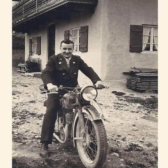 Georg Mayer mit seiner Zündapp